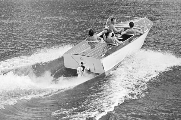 Frauscher Bootswerft Meilenstein 1966 | Motorboot Delphin