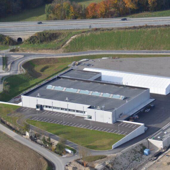 Manufaktur Frauscher Bootswerft |Produktionshalle Außenansicht