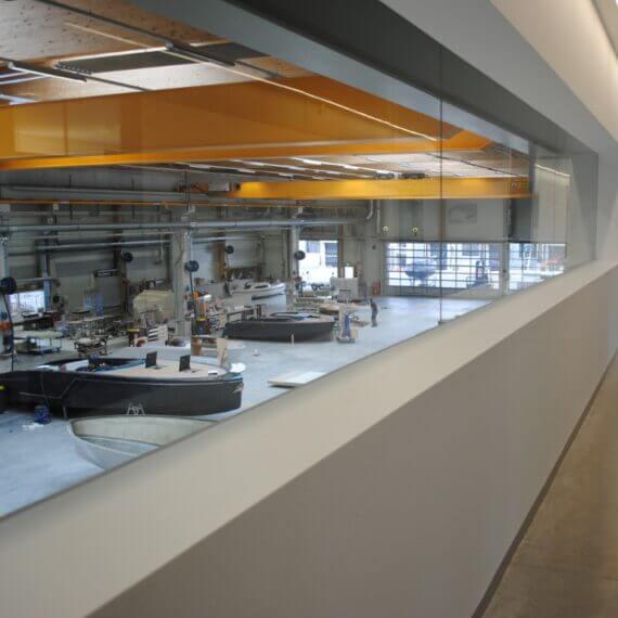 Manufaktur Frauscher Bootswerft |Blick in die Produktionshalle
