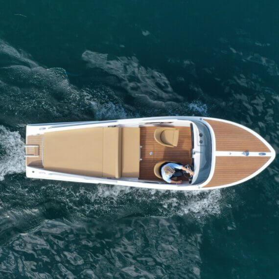 610 San Remo Elektroboot |Frauscher Bootswerft | Fahrfoto von oben