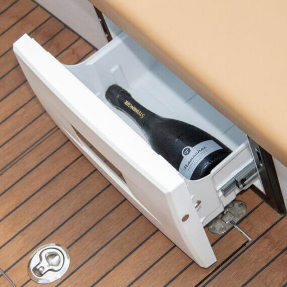 610 San Remo Elektroboot |Frauscher Bootswerft | Detail Kühlschublade