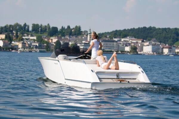 Frauscher Bootswerft Meilenstein 2010 |Elektroboot 650 Alassio