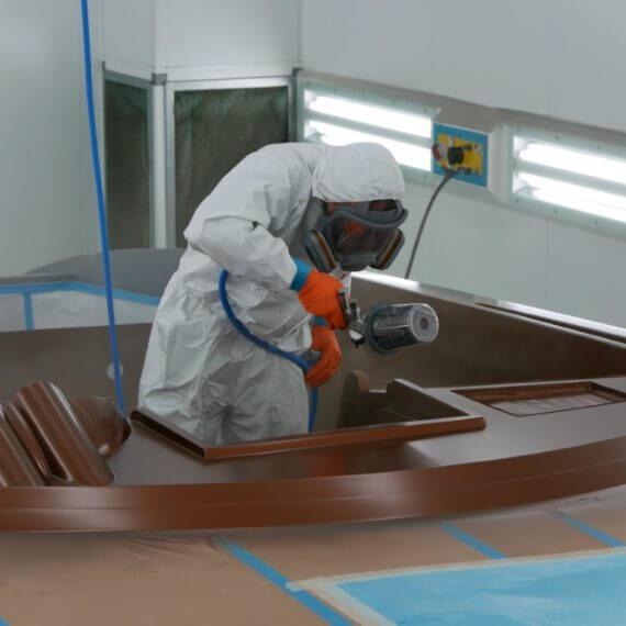 Manufaktur Frauscher Bootswerft |Lackieren Detail