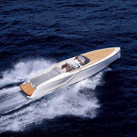 858 Fantom Motorboot |Frauscher Bootswerft |Fahrfoto von oben