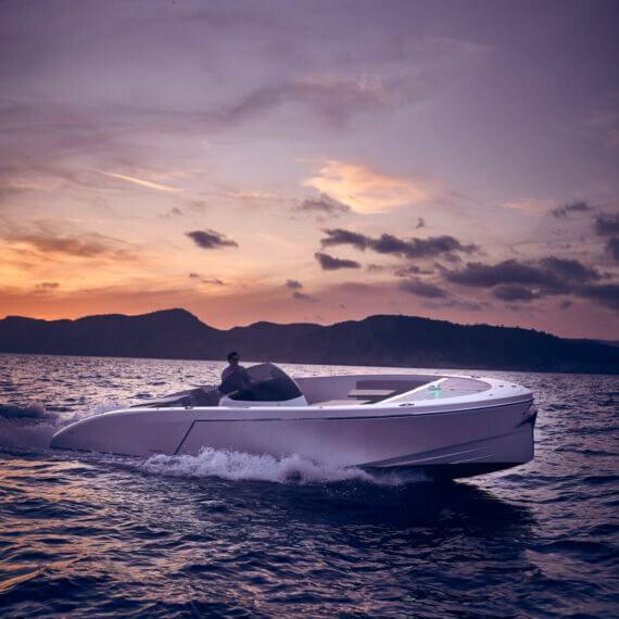 1017 GT Air Motorboot |Frauscher Bootswerft | Fahrfoto Sonnenuntergang